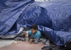 Central American Asylum Seekers Denied U.S. Entry For 2nd Day